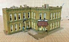 New ListingWoodland Scenics Used N Scale Police Station & City Hall Building Lighted #4930