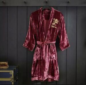 New Pottery Barn Teen Harry Potter Gryfinndor Velvet Robe Small/Medium.