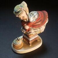 Vintage Little Miss Muffet Lefton Nursery Rhyme Figurine Excellent Condition