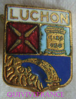 BG7450 - INSIGNE BADGE BLASON DE LUCHON