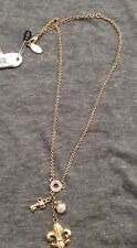 NWT, Guess Charm Necklace, 3 dangle charms, gold tone,lobster clasp,fleur de lis