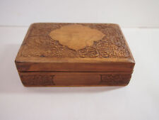 Beautifully engraved smal vintage wooden box