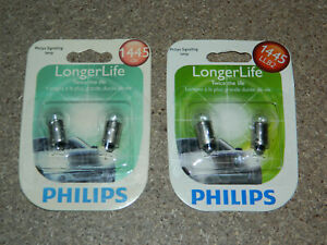 (2) NEW PACKS OF 2 PHILIPS LONGER LIFE 1445 SIGNAL LAMP LIGHT BULBS 1445LLB2