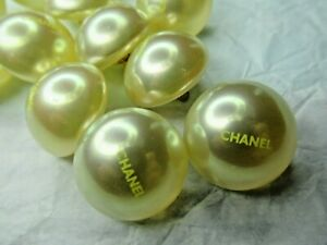 CHANEL 💯 ❤️❤ 6 NICE YELLOW PEARL  BUTTONS 20MM C H A N E L FRONT, 💯 ❤️ LOT 6