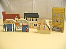 The Cat's Meow - Lot of 5 Decorative Village Pieces - Nice