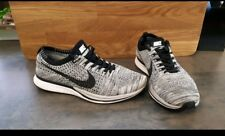 Nike Flyknit Racer Oreo Noir/Blanc Taille 7