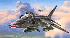 Revell Modell-Flugzeuge & -Raumschiffe im Maßstab 1:48