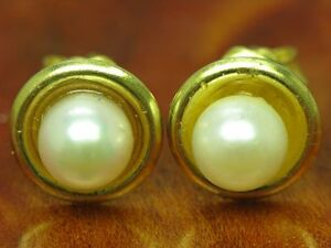 8kt 333 Yellow Gold Ear Studs With Akoya-Pearls Trim /Earrings/
