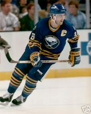 PAT LAFONTAINE Unsigned BUFFALO SABRES 8x10 Photo