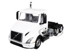 VOLVO VNR 300 DAY-CAB WHITE 1/64 DIECAST MODEL BY FIRST GEAR 60-0372