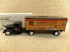 New 1993 ERTL Diecast Diamond T Semi Tractor Trailer Alliance Robert Pressley