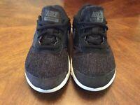 NIKE Flex Contact (PSV) black/dark grey Pre-school Kids Youth Shoes Sz 1.5