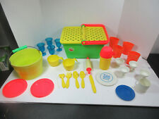 VINTAGE MIXED LOT PLASTIC PICNIC BASKET GLASSES PLATES FLATWARE THERMO RETRO TOY