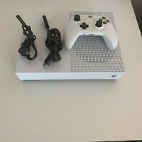 xbox one s 1tb all-digital edition gaming console