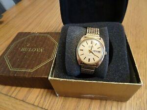 Stunning 1973 Gold plated Bulova ambassador day date watch