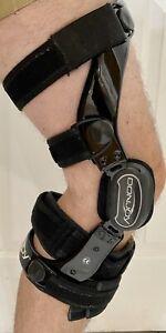 DonJoy FourcePoint ACL PCL CI Knee Brace Black Left Small/Medium