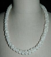 VTG CROWN TRIFARI Gold Tone White Plastic Celluloid Flower Necklace
