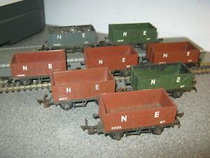 8 Triang OO Gauge R10/13 NE 12 Ton Wagons