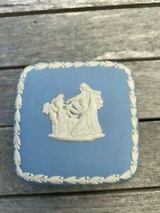 Wedgwood pot square - Jasperware blue
