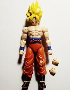 """Dragon Stars Dragon Ball Z Super Saiyan Goku Battle Damaged 6"""" Action Figure"""