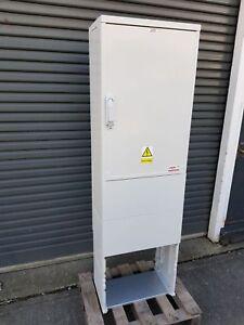 GRP Enclosure Kiosk Meter Box Cabinet Housing W530 x H800 x D320mm + pedestal