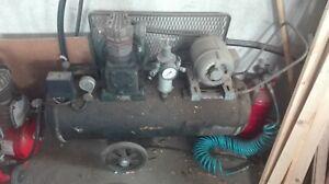 Vecchio compressore da 50l 380V