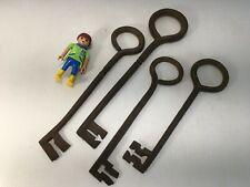 4 clés passe-partout XVIII e en fer forgé… environ 22 cm