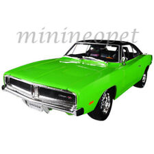 MAISTO 32612 1969 DODGE CHARGER R/T 1/18 DIECAST MODEL CAR GREEN with BLACK TOP