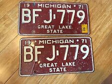 Pair 1971-72 Michigan Automobile License Plates Reflective White on Red