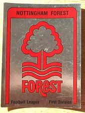 PANINI FOOTBALL 87 Nottingham Forest Badge Nº 214 Excellent état carte