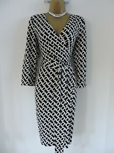 Diane von Furstenberg Size UK 14 US 12 aso Paris Hilton 100% Silk Wrap Dress