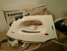 Plancha de vapor Taurus Aquainox