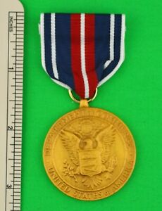 U.S. DEPARTMENT OF COMMERCE GOLD MEDAL - FULL SIZE- UN-ISSUED