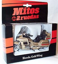Honda Gold Wing in Light Gold couleur new in box 1-18 Scale Moto