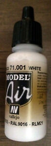 Vallejo Model Air Paint: 17ml  71001 White
