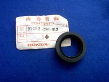 HONDA GL1000 CB350 900 GEN NOS REAR WHEEL DUST SEAL 91253-356-005 91253-286-013