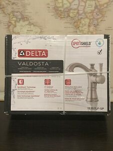 "15757LF-SP Delta Valdosta 4"" Centerset 1/3 Hole Bathroom Faucet Brushed Nickel"