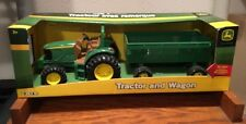 New John Deere Ertl Tractor & Wagon Die Cast Hood & Detachable Wagon
