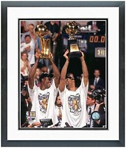 "David Robinson & Tim Duncan San Antonio Spurs Photo (Size: 12.5"" x 15.5"") Framed"