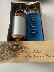 Vintage Mirro Cookie Press Cake Decorator Set 358-AM