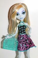 Monster High Lagoona Blue hecho polvo en Back to school fashion Pack Doll muñeca