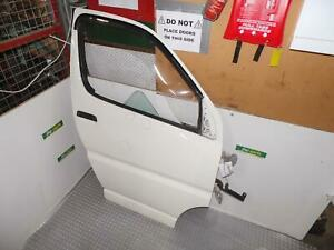 TOYOTA HIACE RIGHT FRONT DOOR SBV, 10/95-02/04 95 96 97 98 99 00 01 02 03 04 05