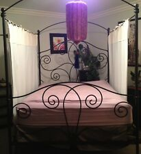 UNIQUE QUEEN SIZE WROUGHT IRON CANOPY BED