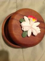 VINTAGE Wood Hand turned round Trinket Box w lid, applied flower, Philippines
