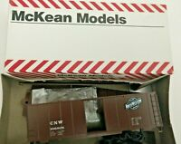HO Scale  McKean  40' Chicago Northwestern Boxcar  CNW 106828