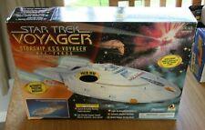 Star Trek Voyager - Starship U.S.S. Voyager - Playmates Toys - Boxed