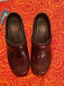 Dansko Brown patent  Leather Clogs Womens Euro 36/US 6