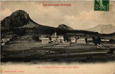 CPA  Borée - Le Village de Borée au pied du Mont Mézenc  (484530)