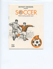 """1968 """"DETROIT COUGARS"""" SOCCER BOOKLET (16 PAGES, TEAM PICTURE, INSTRUCTIONS)"""