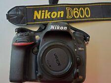 Nikon D D600 24.3MP Digital SLR Camera & power grip, Battery and SD cards